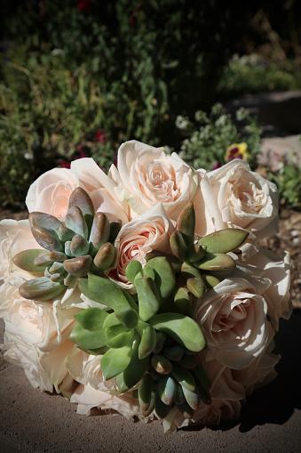 Rose - Flower「Wedding bouquet with roses and desert plant」:スマホ壁紙(11)