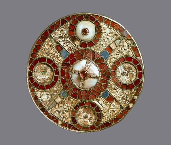 Gemstone「Disc Brooch」:写真・画像(18)[壁紙.com]