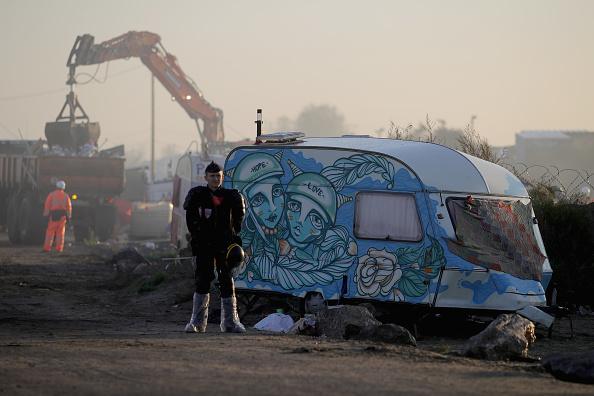 Calais「Large Scale Demolition Of The Calais Migrant Camp Begins」:写真・画像(4)[壁紙.com]