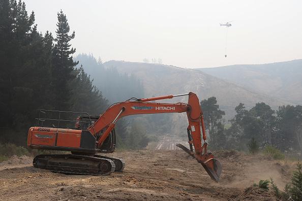 Stringer「Forest Fires Continue To Burn Across Tasman District Near Nelson」:写真・画像(17)[壁紙.com]