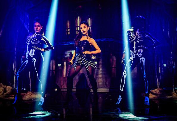 Ariana Grande「iHeartMedia Presents Ariana Grande World Premiere Event On The Honda Stage At The iHeartRadio Theater Los Angeles」:写真・画像(6)[壁紙.com]