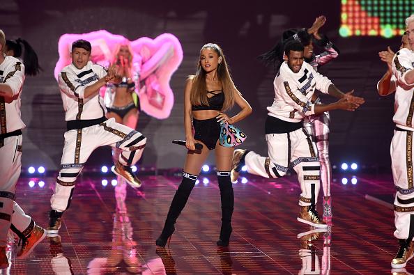 Ariana Grande「2014 Victoria's Secret Fashion Show - Show」:写真・画像(5)[壁紙.com]