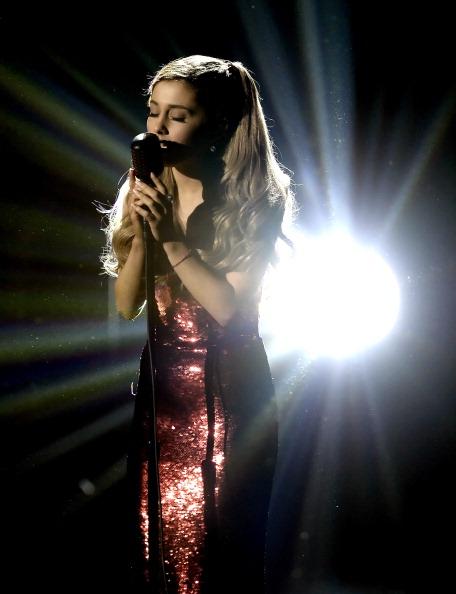Ariana Grande「2013 American Music Awards - Show」:写真・画像(8)[壁紙.com]
