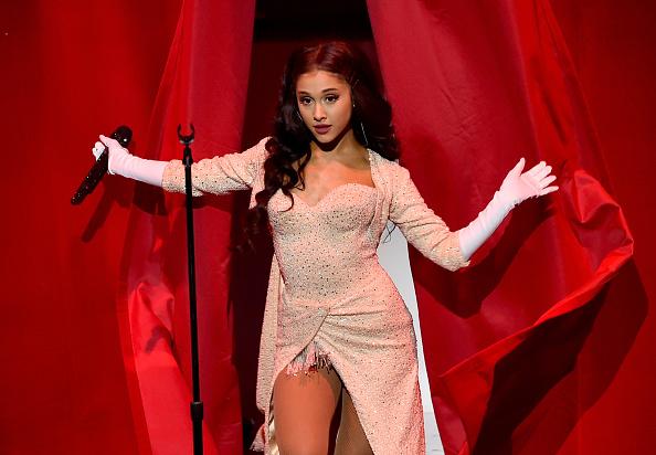 Ariana Grande「2015 American Music Awards - Show」:写真・画像(16)[壁紙.com]
