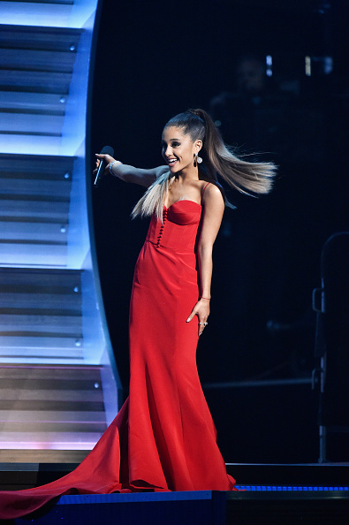 全身「The 58th GRAMMY Awards - Show」:写真・画像(13)[壁紙.com]