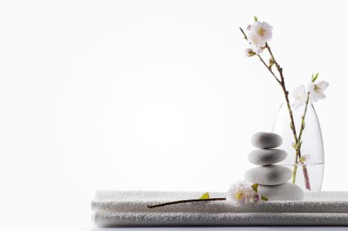 桜「すっきりしたホワイトのスパの背景」:スマホ壁紙(8)