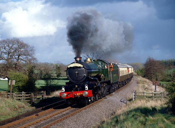 Finance and Economy「Shakespeare Express.  No.6024 'King Edward I' approaches Wood End Tunnel with the 17.05 service from Stratford to Tyseley. 15th April 1990.」:写真・画像(12)[壁紙.com]