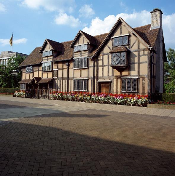 Tudor Style「Shakespeare's Birthplace, Henley Street, Stratford-upon-Avon, Warwickshire, c2000s(?)」:写真・画像(13)[壁紙.com]