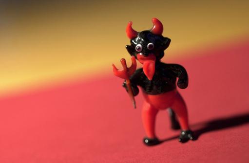 Evil「Miniature figure of the devil」:スマホ壁紙(2)