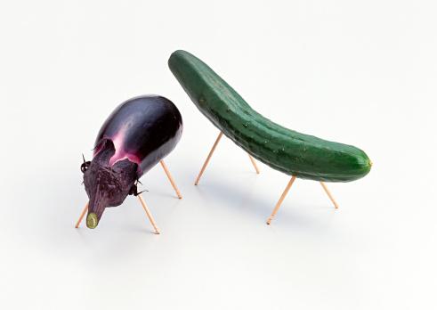 盆「Cucumber and Eggplant」:スマホ壁紙(19)
