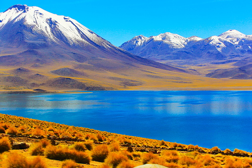 Andean Highlands「Lagunas Miñiques and Miscanti - Lakes and snowcapped Volcanoes mountains - Turquoise lakes and Idyllic Atacama Desert, Volcanic landscape panorama – San Pedro de Atacama, Chile, Bolívia and Argentina border」:スマホ壁紙(12)