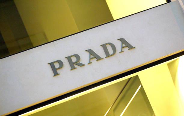 Prada and Gucci Report Declining Profits:ニュース(壁紙.com)