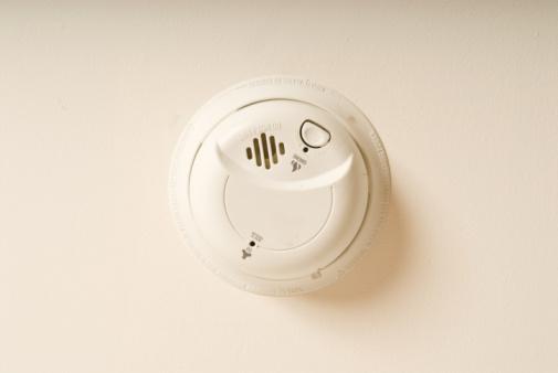 Smoke Detector「Smoke alarm on wall」:スマホ壁紙(11)