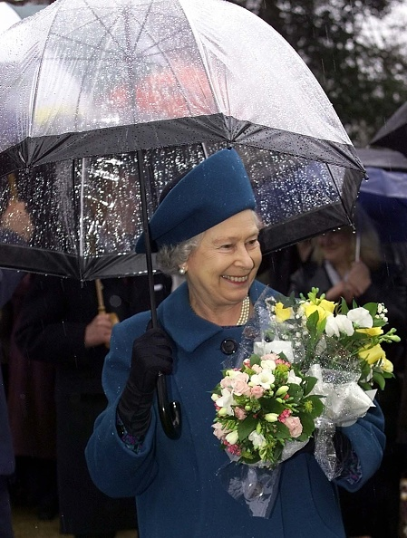 Bouquet「Queen Elizabeth II Plants A Tree」:写真・画像(2)[壁紙.com]