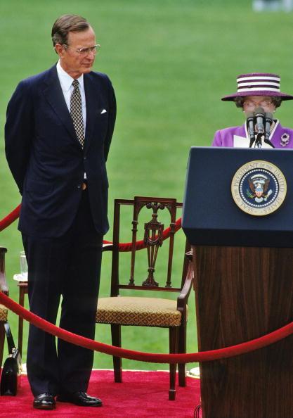 US President「Queen Elizabeth ll on White House Lawn」:写真・画像(3)[壁紙.com]