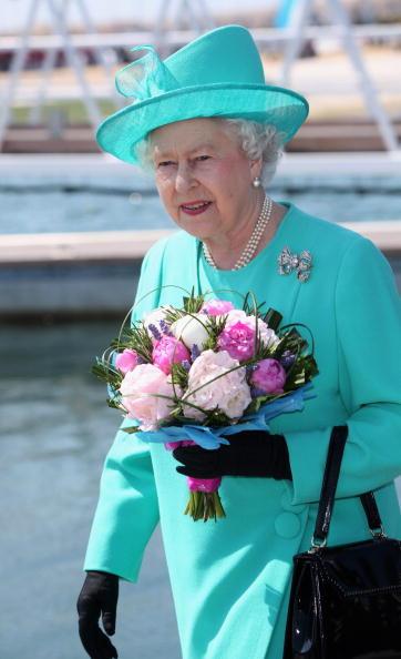 2012 Summer Olympics - London「Queen Elizabethh II And Prince Philip, Duke Of Edinburgh Visit Dorset」:写真・画像(1)[壁紙.com]