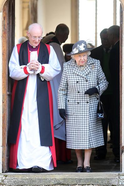 King's Lynn「The Queen Attends Church At Hillington In Sandringham」:写真・画像(5)[壁紙.com]