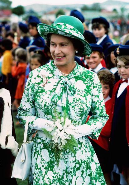 Fashion「Queen Elizabeth II's Silver Jubilee Visit to New Zealand」:写真・画像(10)[壁紙.com]