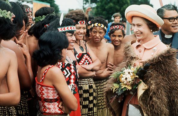 New「NZL: Queen Elizabeth II visits New Zealand」:写真・画像(10)[壁紙.com]