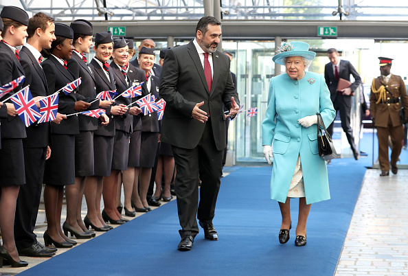 Heathrow Airport「The Queen Visits The British Airways Headquarters To Mark Their Centenary」:写真・画像(9)[壁紙.com]