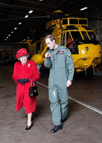 Pilot「Queen Elizabeth II Visits RAF Valley」:写真・画像(14)[壁紙.com]