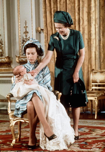 1970-1979「GBR: Queen Elizabeth II and Princess Anne with her first grandchild」:写真・画像(13)[壁紙.com]