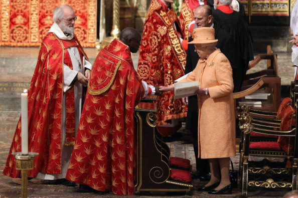 John Sentamu「The Queen Attends The Ninth Inauguration Of The General Synod」:写真・画像(6)[壁紙.com]