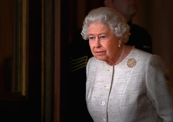 1人「The Queen Receives The President Of Kazakhstan」:写真・画像(18)[壁紙.com]