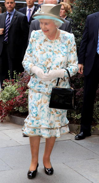 Floral Pattern「The Queen Visits The United Nations In New York」:写真・画像(2)[壁紙.com]
