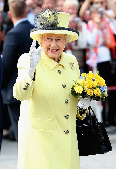 Visit「Queen Elizabeth II Visits Berlin」:写真・画像(4)[壁紙.com]