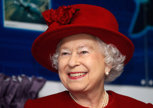 Lipstick「Queen Elizabeth II Visits RAF Valley」:写真・画像(10)[壁紙.com]
