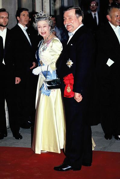 Honor「Elizabeth II And Lech Walesa」:写真・画像(13)[壁紙.com]