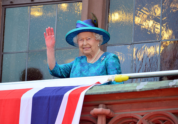 Wave「Queen Elizabeth II Visits Frankfurt am Main」:写真・画像(5)[壁紙.com]