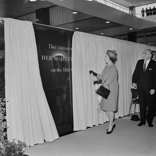 Finance and Economy「Euston Station opened by Queen Elizabeth II」:写真・画像(0)[壁紙.com]