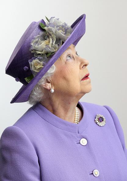 Hat「Queen Elizabeth II Visits The East Midlands」:写真・画像(15)[壁紙.com]