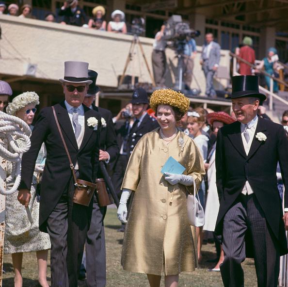 Coat - Garment「Queen At Epsom」:写真・画像(12)[壁紙.com]