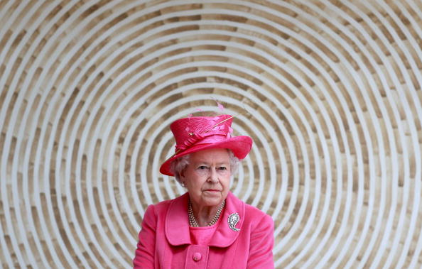 Event「The Queen Visits the The Venue Cymru Arena」:写真・画像(2)[壁紙.com]