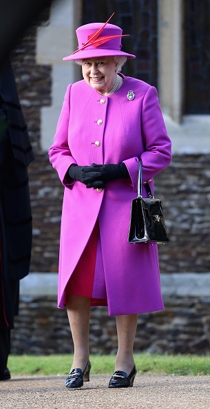 全身「The Royal Family Attend Church On Christmas Day」:写真・画像(2)[壁紙.com]