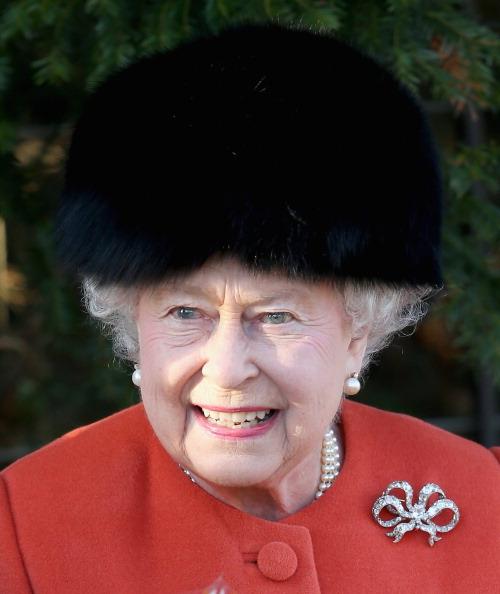 King's Lynn「The Royal Family Attend Christmas Day Service At Sandringham」:写真・画像(6)[壁紙.com]