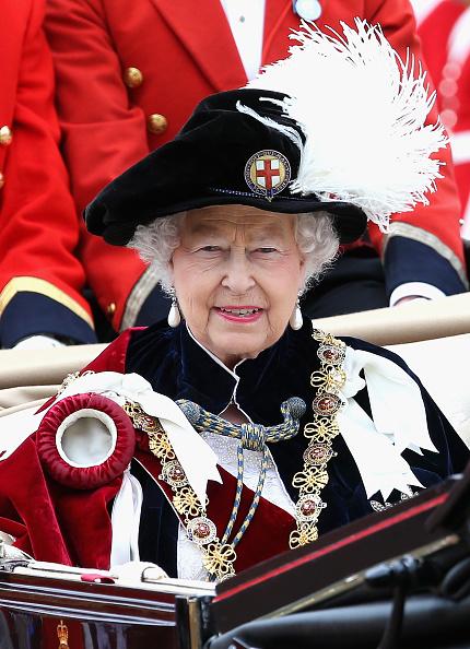 カメラ目線「Service Of The Order Of The Garter」:写真・画像(2)[壁紙.com]