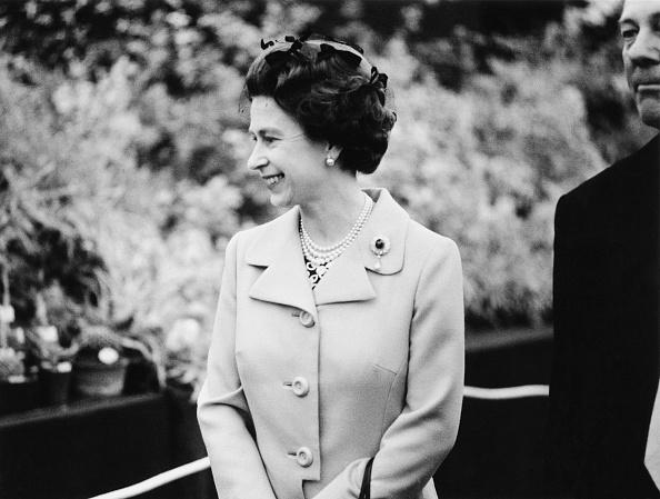 1人「Queen At Chelsea Flower Show」:写真・画像(15)[壁紙.com]