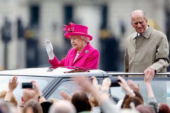 2人「The Patron's Lunch To Celebrate The Queen's 90th Birthday」:写真・画像(19)[壁紙.com]