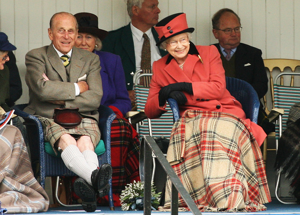 Prince Philip「The Royal Family Attend The Annual Braemar Highland Gathering」:写真・画像(18)[壁紙.com]