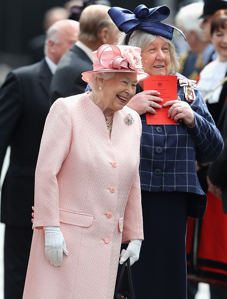 White Glove「The Queen and Duke Of Edinburgh Visit Liverpool」:写真・画像(10)[壁紙.com]