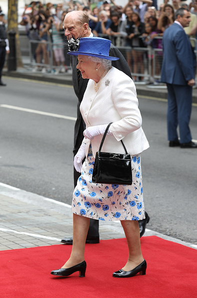 Purse「The Queen And Duke Of Edinburgh Visits Canada House」:写真・画像(18)[壁紙.com]