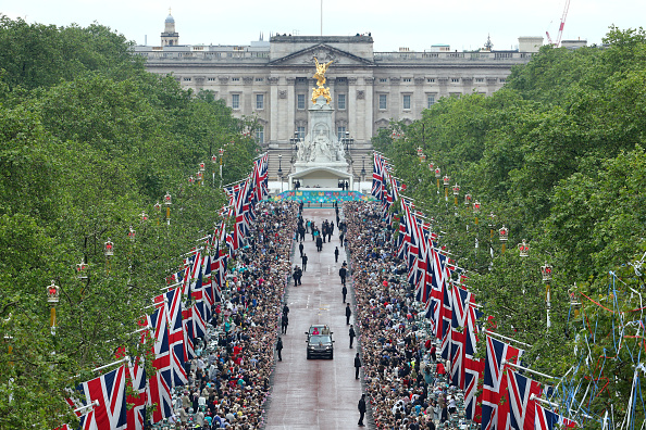 お祝い「The Patron's Lunch To Celebrate The Queen's 90th Birthday」:写真・画像(16)[壁紙.com]