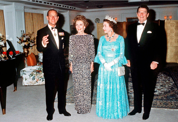 Formalwear「Queen Elizabeth II...」:写真・画像(9)[壁紙.com]