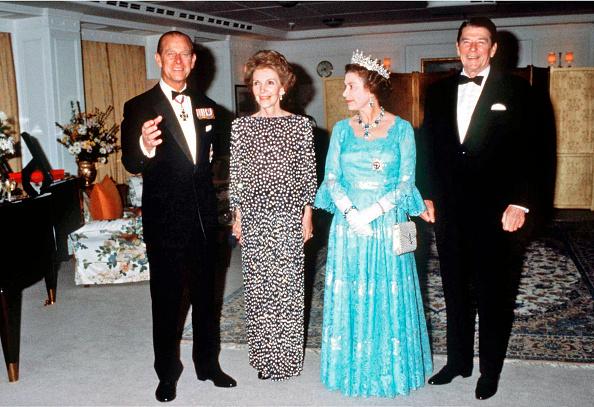 Formalwear「Queen Elizabeth II...」:写真・画像(17)[壁紙.com]