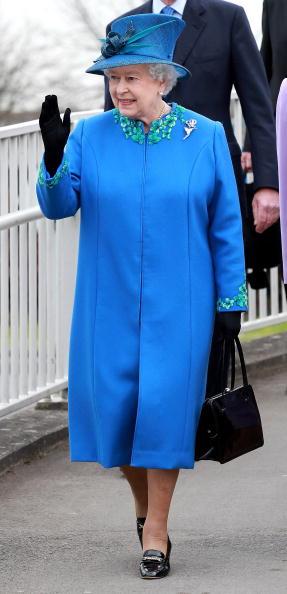 全身「The Queen Visits Welshpool」:写真・画像(18)[壁紙.com]