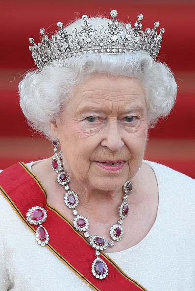 Crown - Headwear「Queen Elizabeth II Visits Berlin」:写真・画像(1)[壁紙.com]